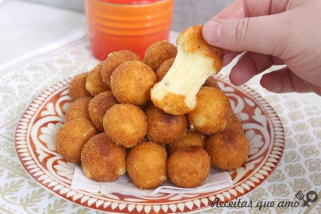 Bolinhas de queijo sem massa