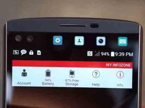 Il secondo schermo dell'LG V10: un plus non da poco! Si possono inserire scoriciatoie per le App, contatti predefiniti, ultime notifiche...