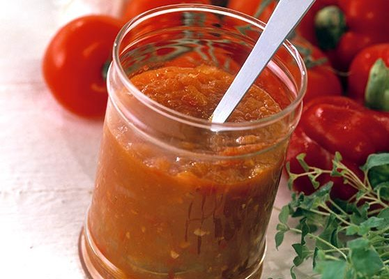 Kryddig tomatsås