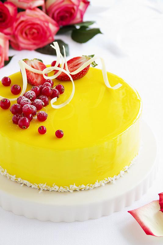 Лимонно-клубничный торт