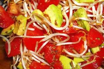 Ensalada de Tomate y Aguacate