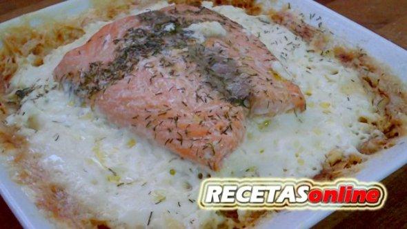 Lasaña de salmón y patata - Recetas de cocina RECETASonline