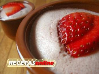 Mousse de fresa rápido - Recetas de cocina RECETASonline