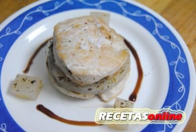 Supremas de pavo con gelee de caldo de ave a las finas hierbas - Recetas de cocina RECETASonline