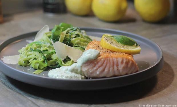 saumon-pesto-pates-courgettes