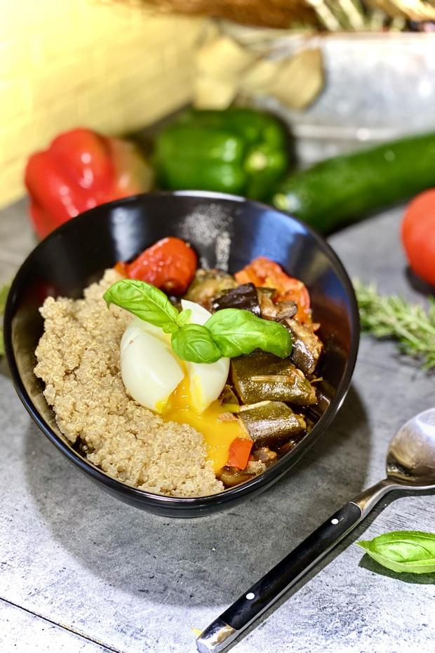 ratatouille-quinoa-bowl