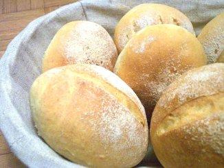 Petits pains blancs portugais