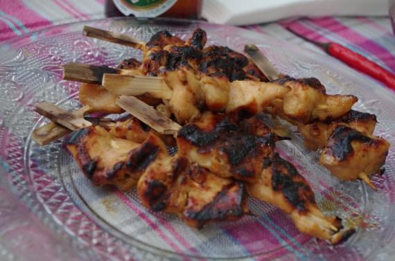 Brochettes de poulet au satay - cuisine thaï © par Fanny GRW - Recettes d'ici et d'ailleurs