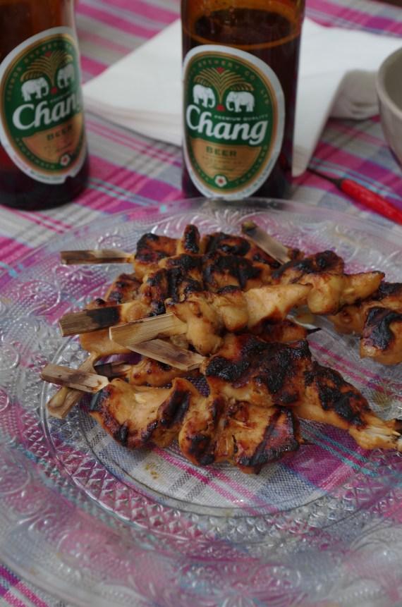 Brochettes de poulet kai satay - cuisine thaï © par Fanny GRW - Recettes d'ici et d'ailleurs