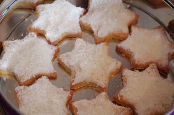 Biscuits coco sablés de Noël © Recettes d'ici et d'ailleurs