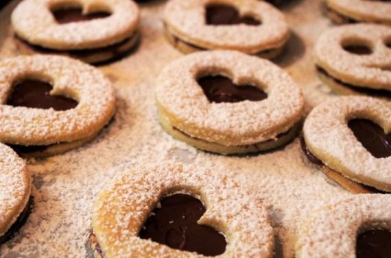 Biscuits sablés fourrés à la pâte à tartiner au chocolat ©Recettes d'ici et d'ailleurs