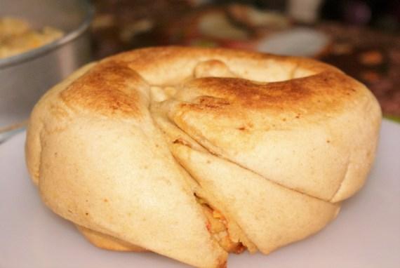 Pain tibétain fourré aux légumes Special bread  - Cuisine tibétaine © Recettes d'ici et d'ailleurs