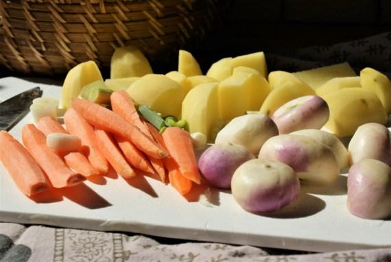 Préparation dse légumes pour le curry Avial - cuisine indienne © Balico & co