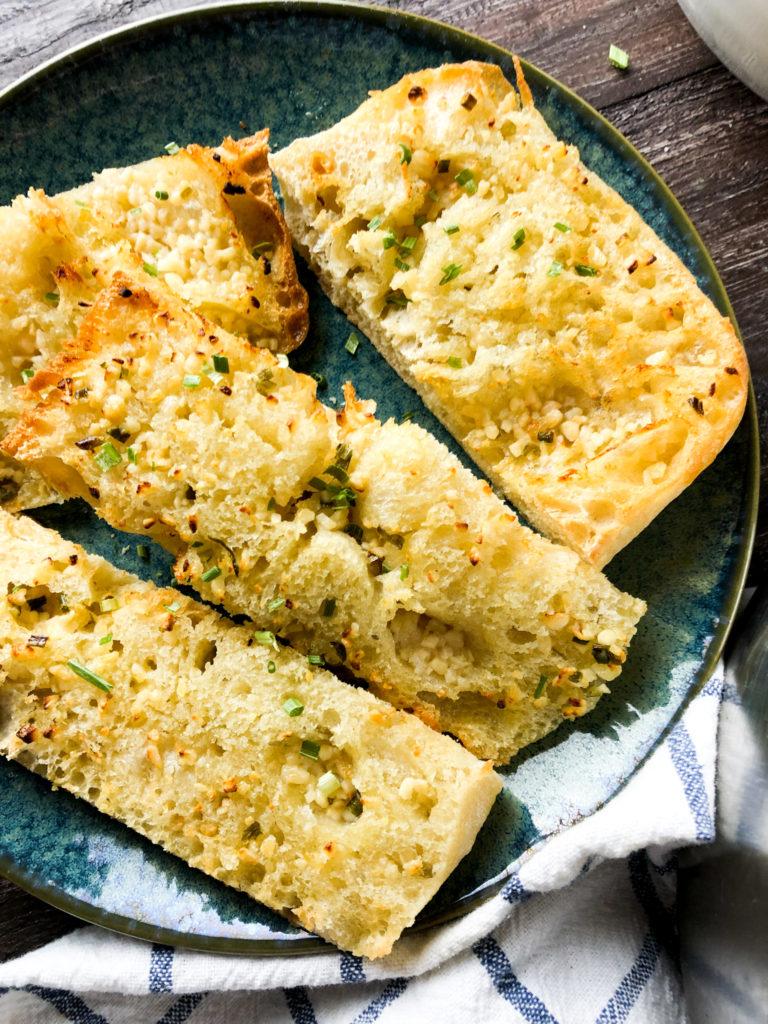 Air Fryer Garlic Bread