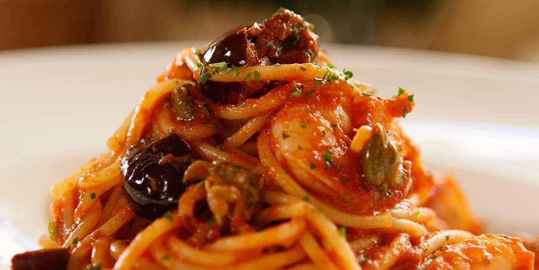 Spaghetti Alla Puttanesca With Shrimp Easy Meals With