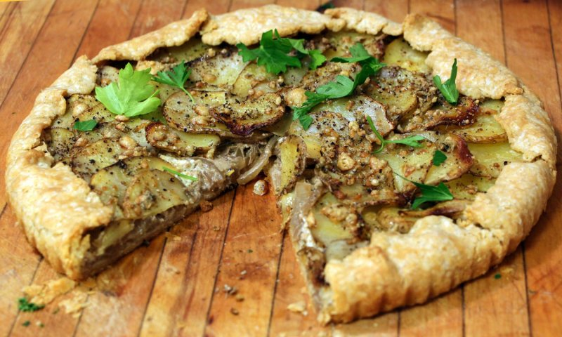 Potato Tart with Balsamic Glazed Onion and Blue Cheese