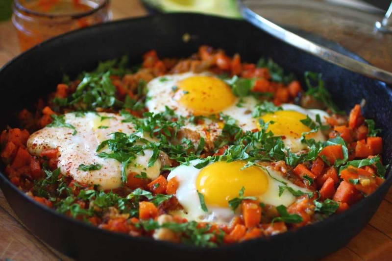 cast iron sweet potato hash with eggs