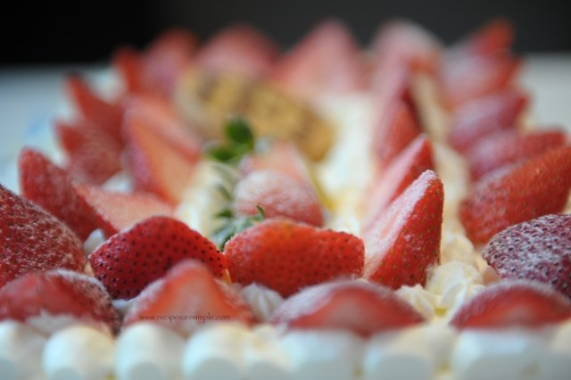 sponge cake with whipped cream and fruit