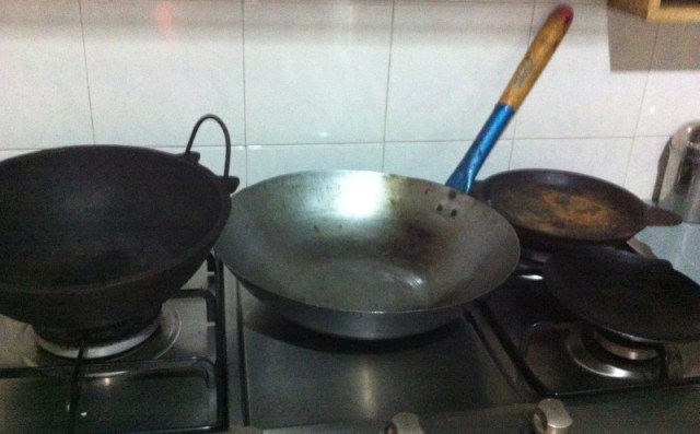 removing rust stains cast iron and carbon steel skillets woks recipes 39 r 39 simple. Black Bedroom Furniture Sets. Home Design Ideas