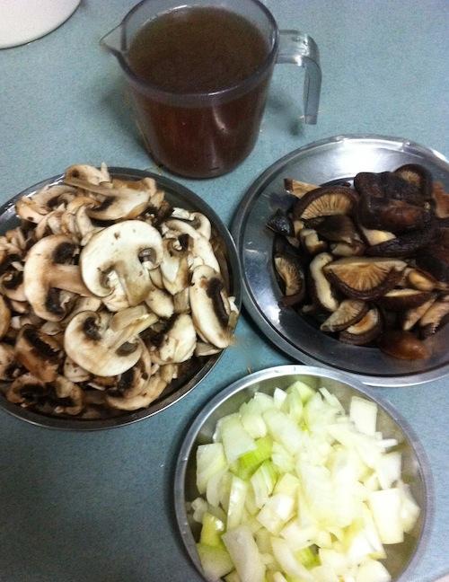 Mushrooms sliced