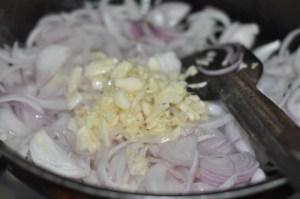 KERALA egg roast - add garlic