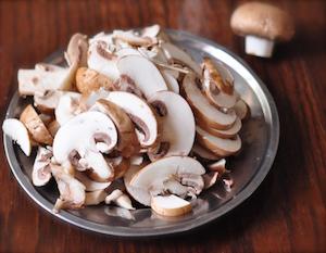 sliced mushroom for mushroom sauce