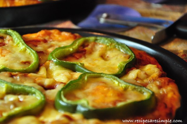 cheese and pepper pizza