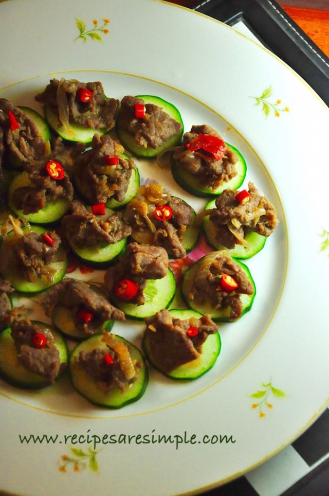 Thai beef and cucumber canap s spiced hors d for Beef canape ideas