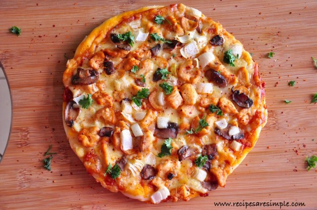 Fiery Chicken and Mushroom Pizza Recipesaresimple (1)
