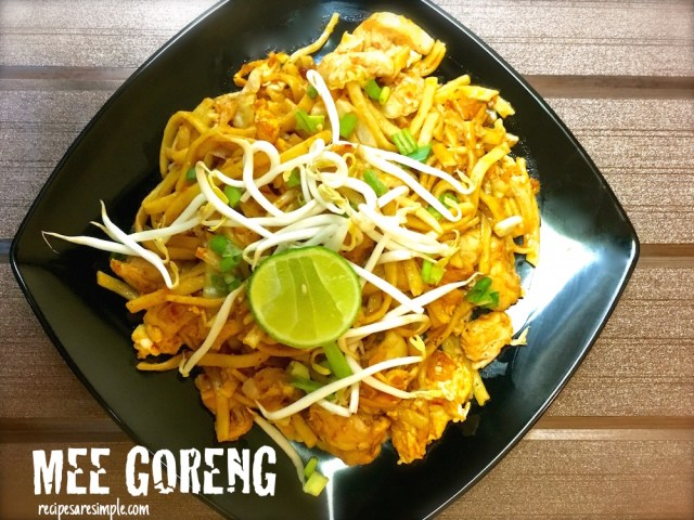 Mee Goreng Ayam | Malaysian Fried Noodles with Chicken