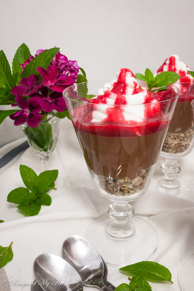 Easy Chocolate Mousse with Raspberry Coulis-2