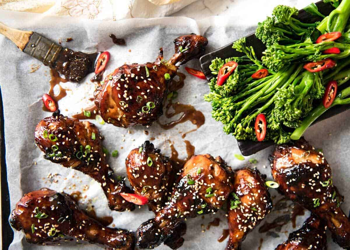 Sticky Chicken Drumsticks in Chinese Plum Sauce - Just a handful of ingredients, 5 minutes prep and awesome stickiness! www.recipetineats.com