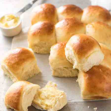 These No Knead Dinner Rolls are like magic! Astonishingly easy, no stand mixer, just mix the ingredients in a bowl! www.recipetineats.com