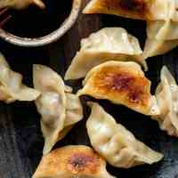 Potstickers (Chinese Pan Fried Dumplings!)