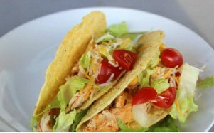 HEALTHY & EASY CHICKEN TACOS