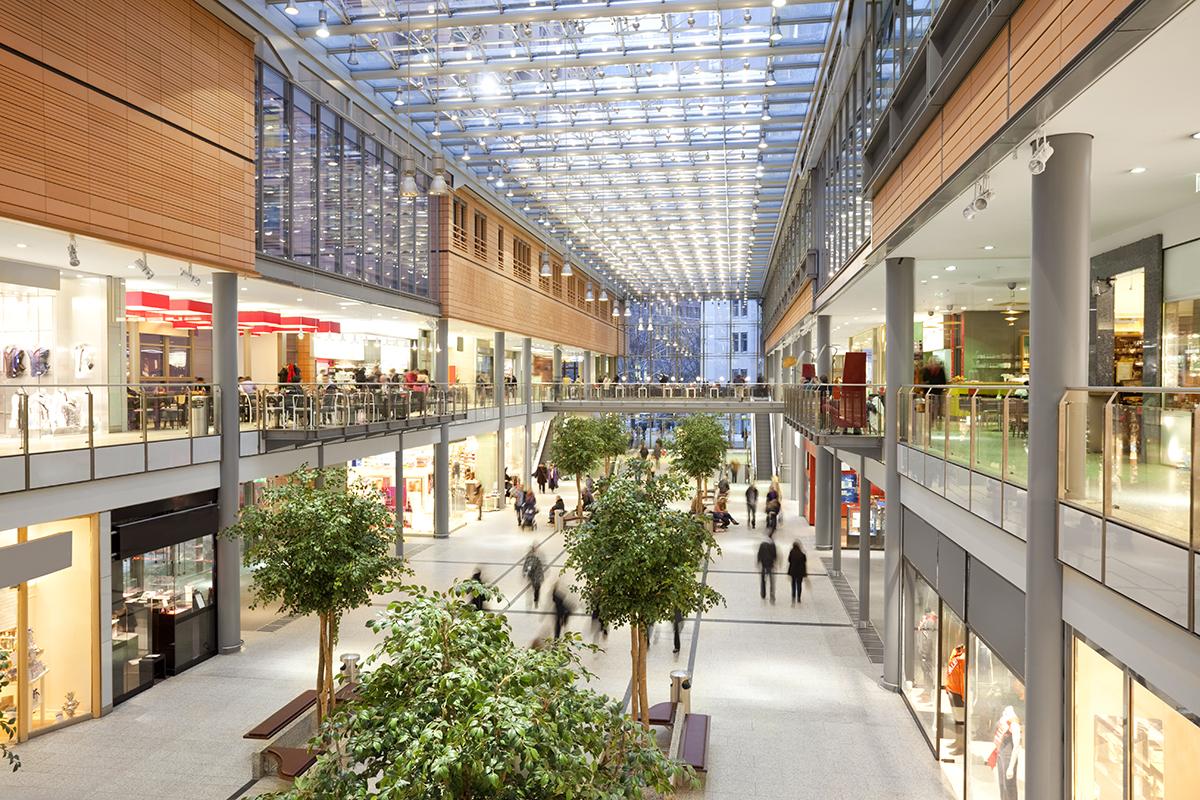 foto de un lugar en el que se ha producido una caída en un centro comercial. foto de reclamador.es