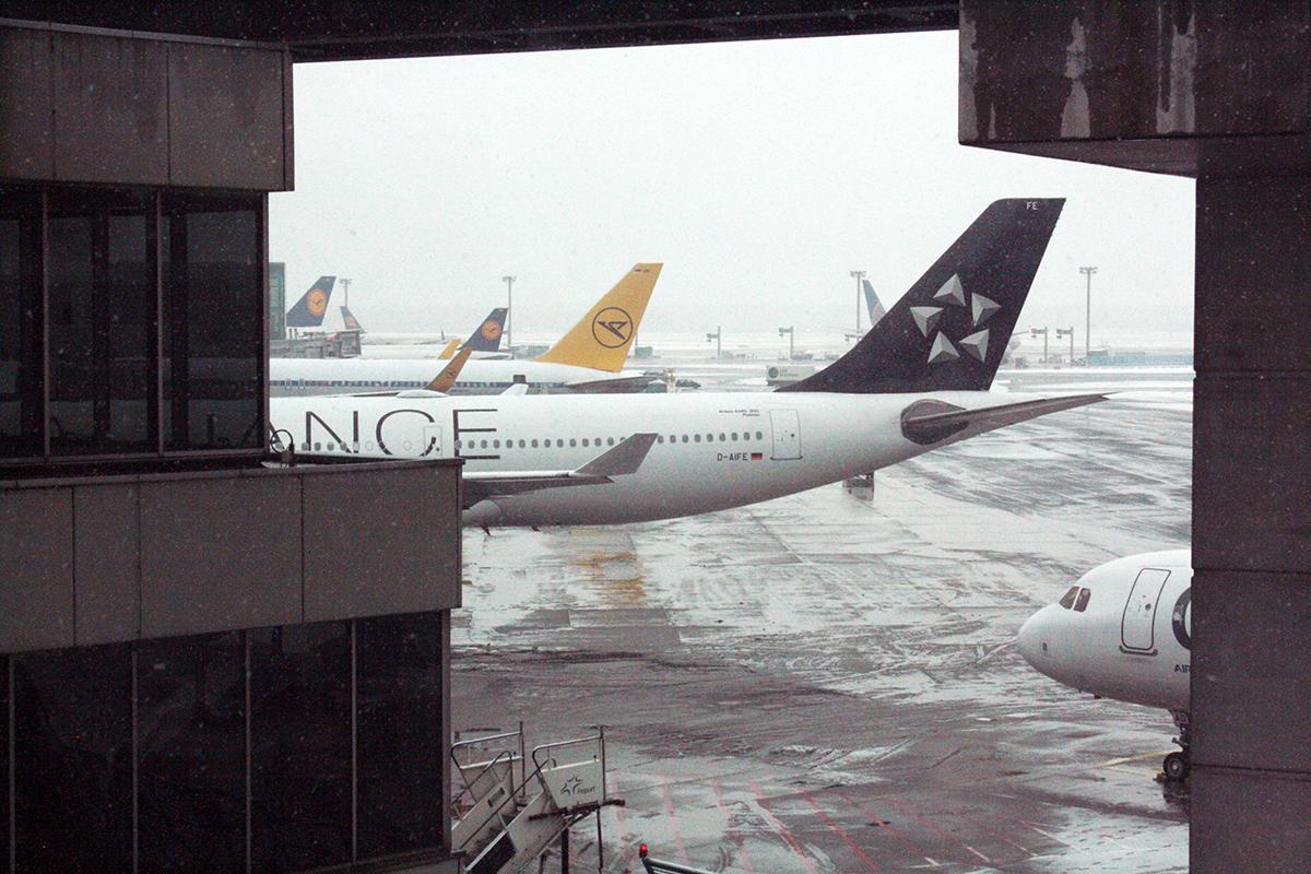 aviones en pista sin poder salir por fuerza mayor. foto de reclamador.es