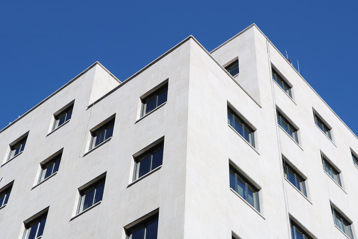 bloque de casas en las que sus propietarios tienen hipotecas con cláusula suelo. foto de reclamador.es