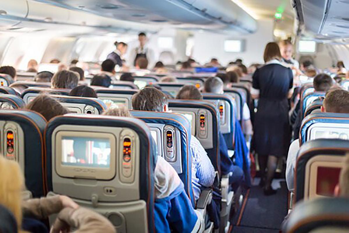 pasajeros esperando en el avión por un retraso de 6 horas de air europa