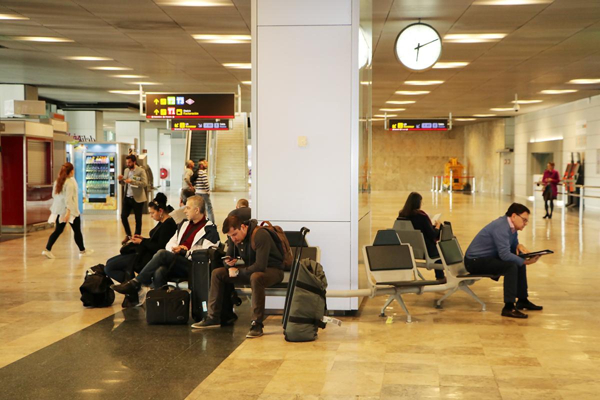 equipaje de mano en el aeropuerto de Madrid-Barajas.foto de reclamador.es