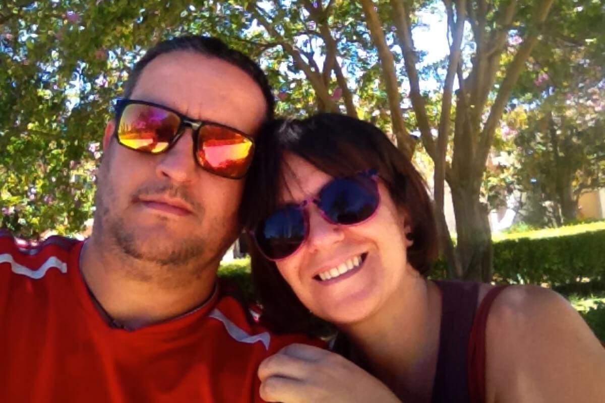 Raúl y su mujer, afectado por la cláusula suelo con el Banco Sabadell que ha ganado dsu reclamación gracias a reclamador.es, plataforma de reclamaciones online