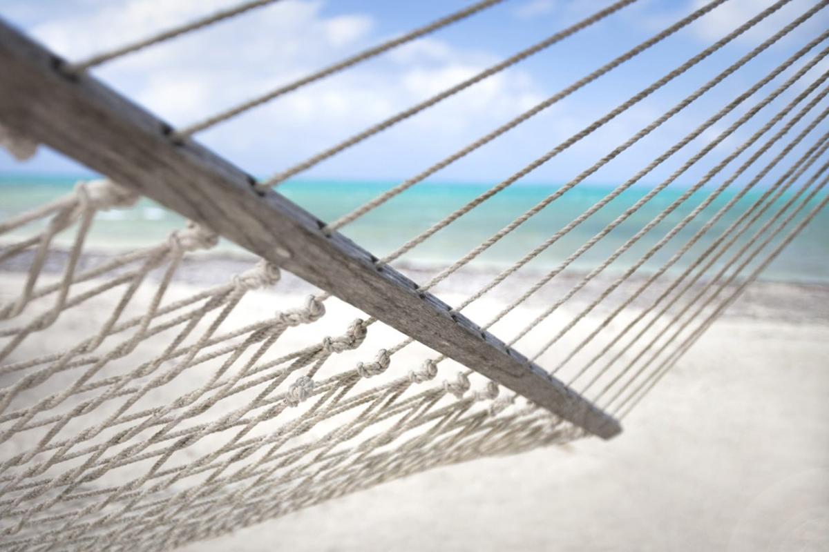 foto de la playa para ilustrar artículo sobre cómo son las reclamaciones en verano. foto de reclamador.es, compañía online de reclamaciones