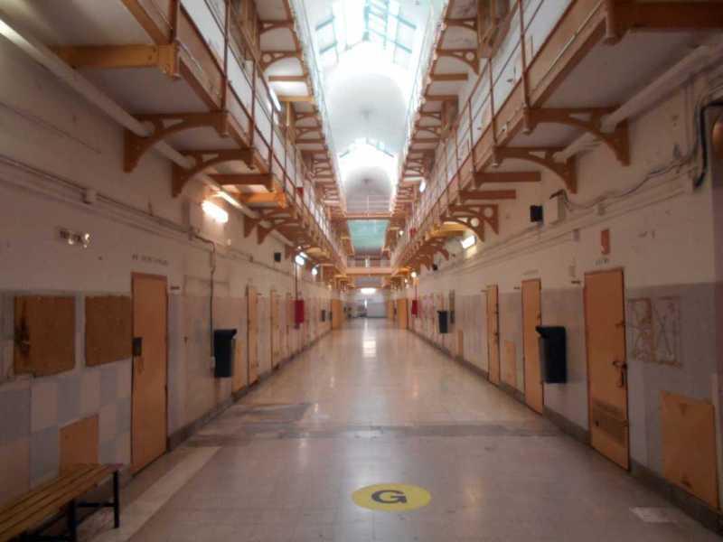 Derecho a paro al salir de la cárcel: subsidio de liberados de prisión