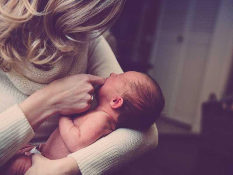 Ya se puede reclamar el IRPF por la prestación de maternidad y paternidad de 2014 y 2015
