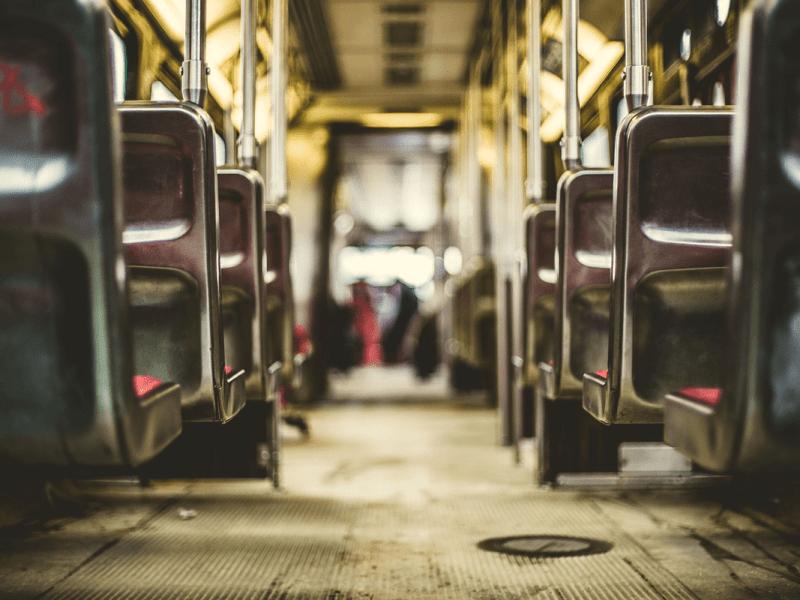 ¿Qué ocurre si sufro un accidente viajando en transporte público?