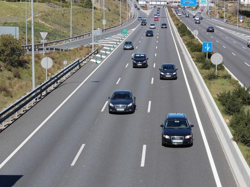 Consejos de seguridad para evitar accidentes si te vas de vacaciones con tu coche este verano