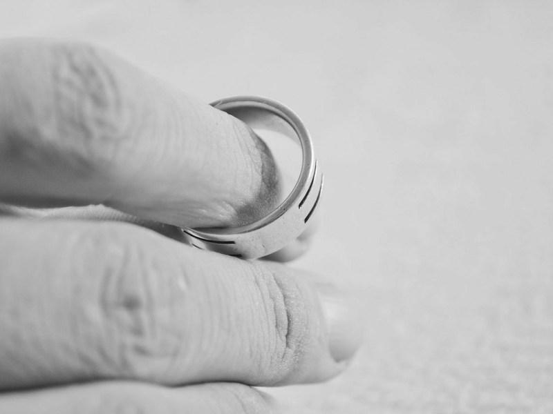 ¿Se puede solicitar la nulidad matrimonial civil?
