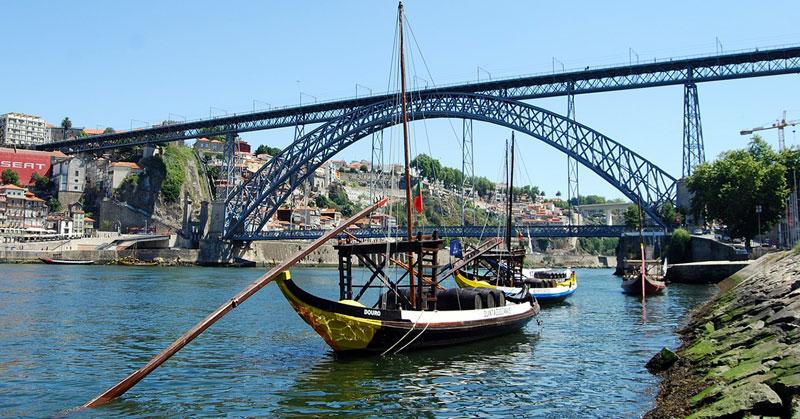 Guía para viajar a Oporto: cómo llegar al centro desde el aeropuerto