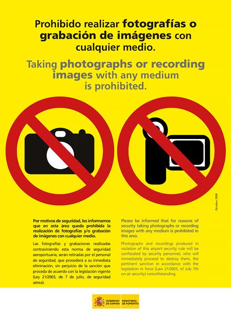 cartel prohibido fotos de aena