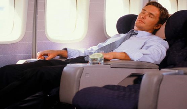Se queda dormido en el avión y despierta en Galápagos